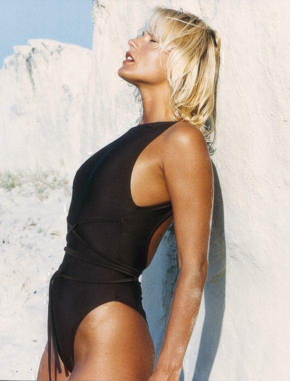 BabeStop - World's Largest Babe Site - xuxa_xuxa111.jpg